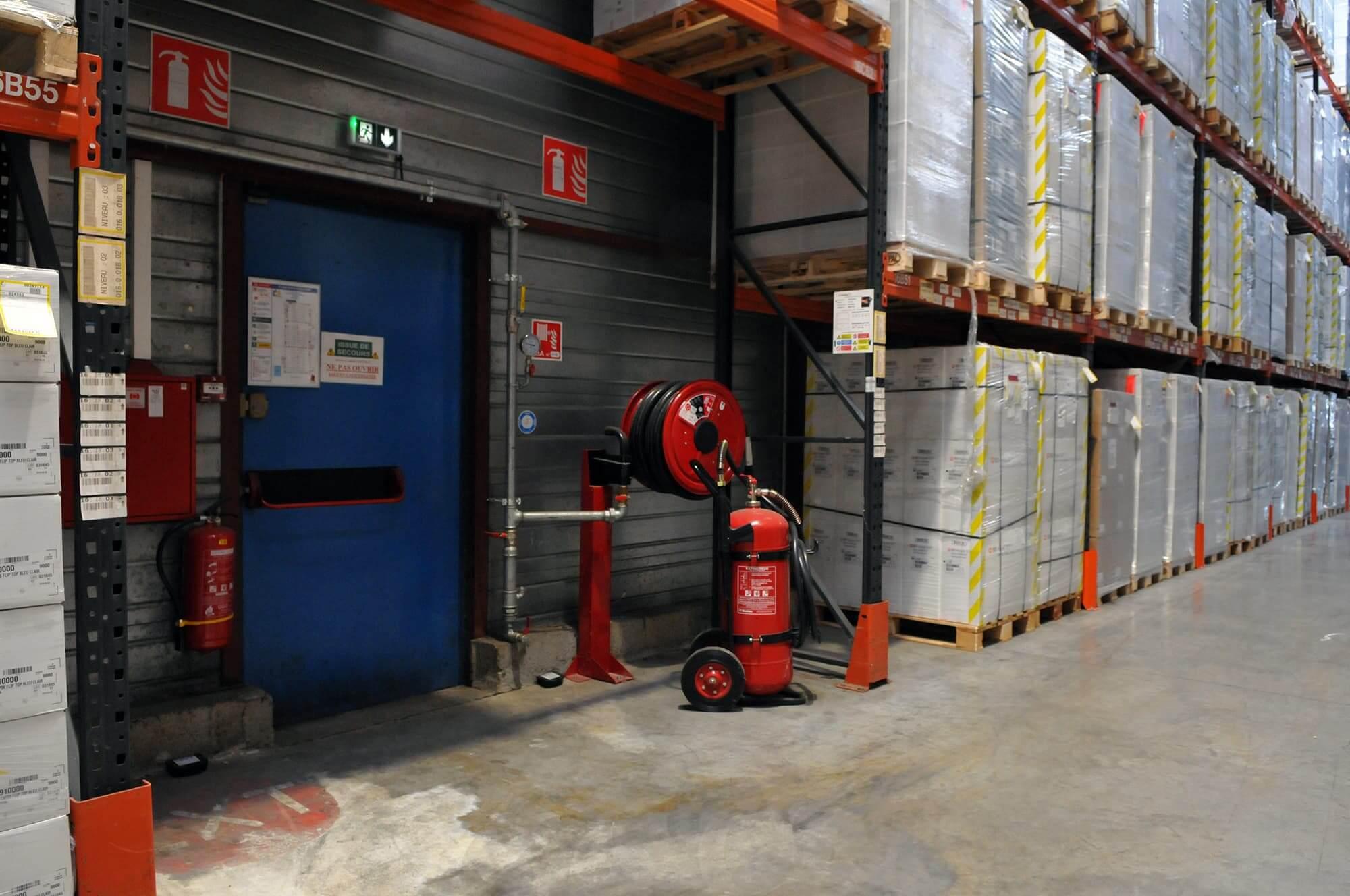 extincteur - sécurité incendie - entrepot logistique - protection incendie